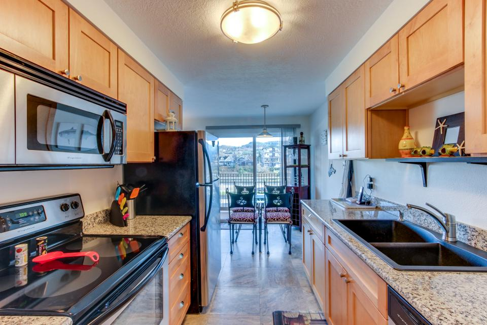 Holden's Post | Riverwalk Condominiums #4 - Seaside Vacation Rental - Photo 7