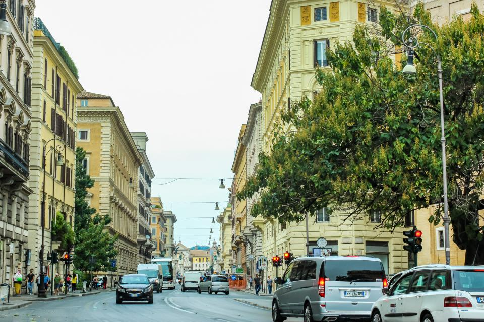 Navona Art Studio Apartment - Rome Vacation Rental - Photo 23