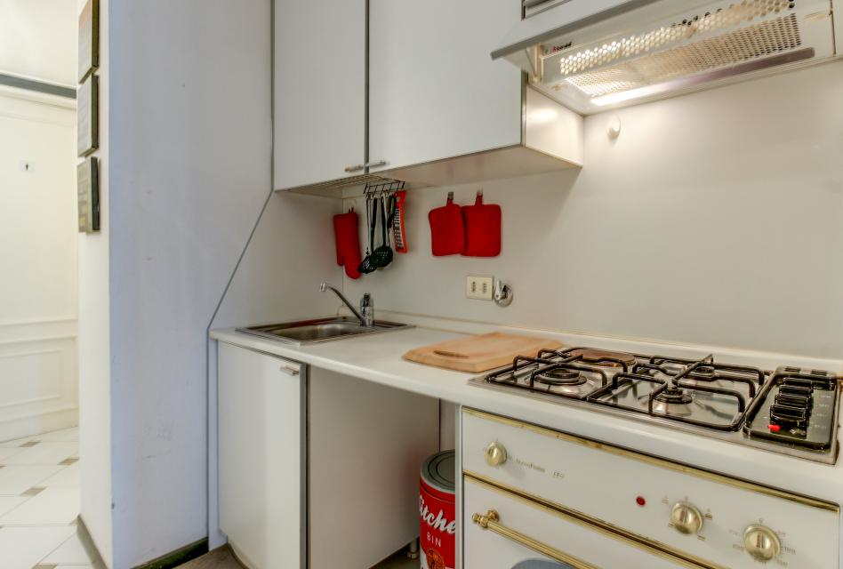 Navona Art Studio Apartment - Rome Vacation Rental - Photo 17