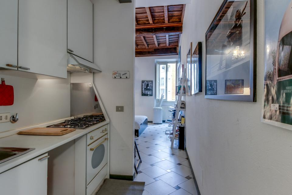 Navona Art Studio Apartment - Rome Vacation Rental - Photo 3