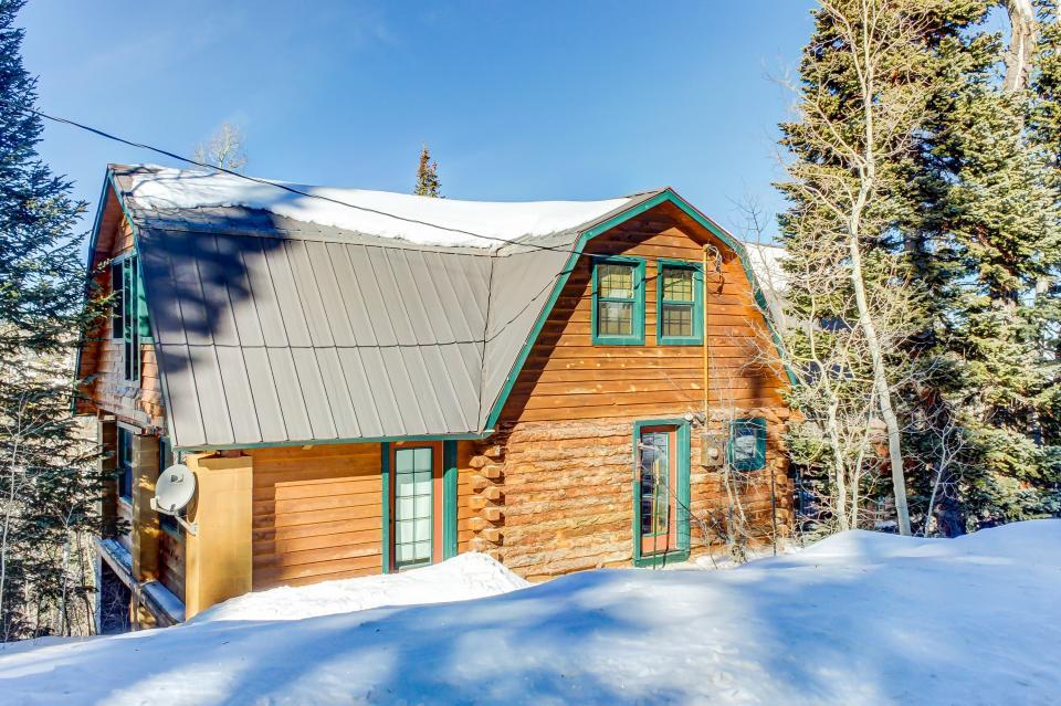 Frozen in time 4 bd vacation rental in brian head ut for Brian head ski resort cabin rental