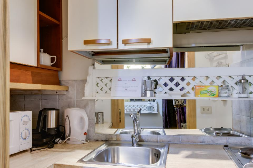 Savelli Navona Petite - Rome Vacation Rental - Photo 2