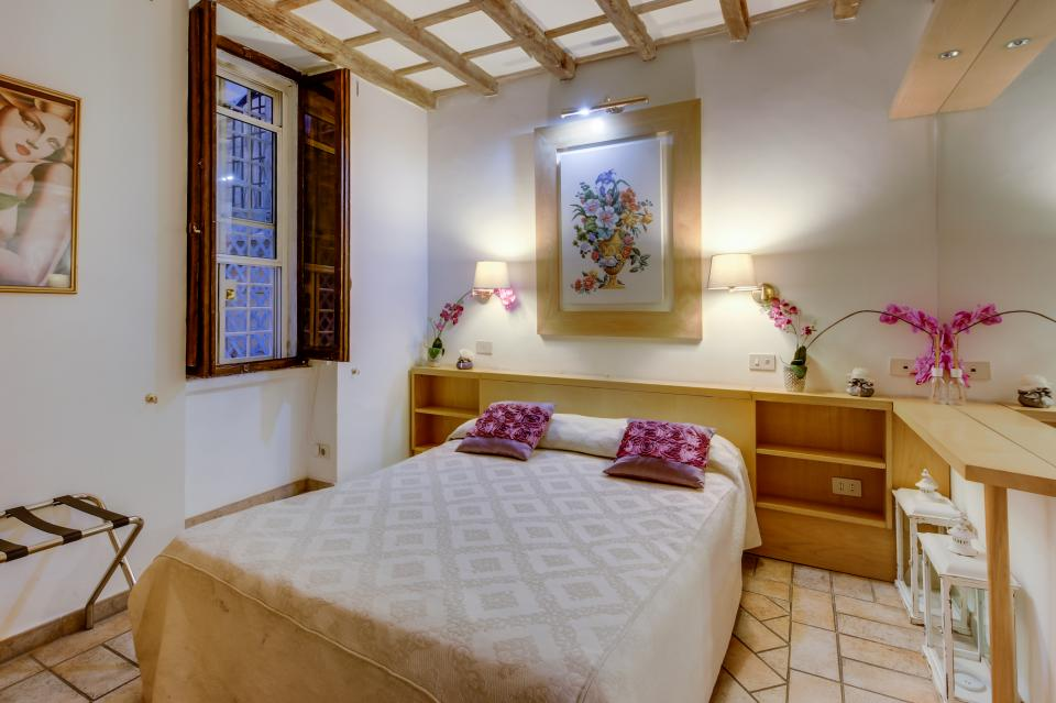 Savelli Navona Petite - Rome Vacation Rental - Photo 6