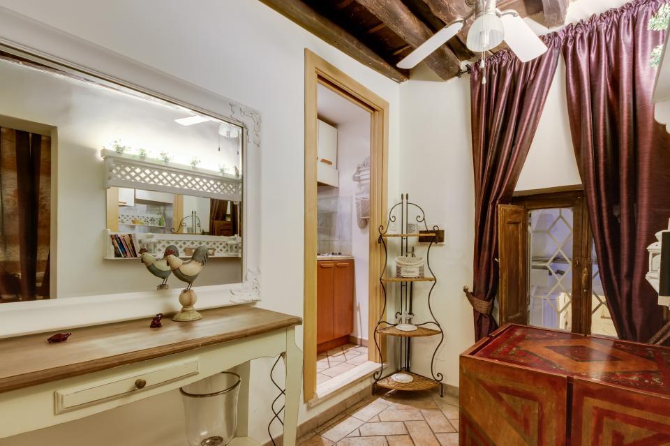 Savelli Navona Petite - Rome Vacation Rental - Photo 18