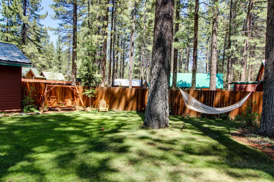 Spruce Grove Snowshoe Cabin - South Lake Tahoe Vacation Rental - Photo 19