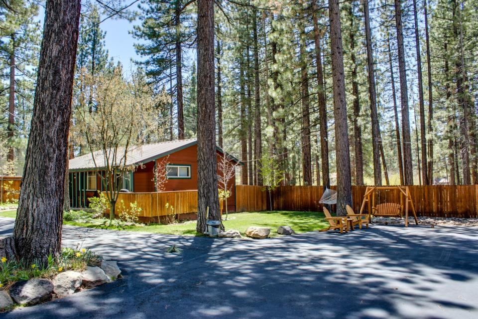 Spruce Grove Washoe Cabin - South Lake Tahoe Vacation Rental - Photo 22