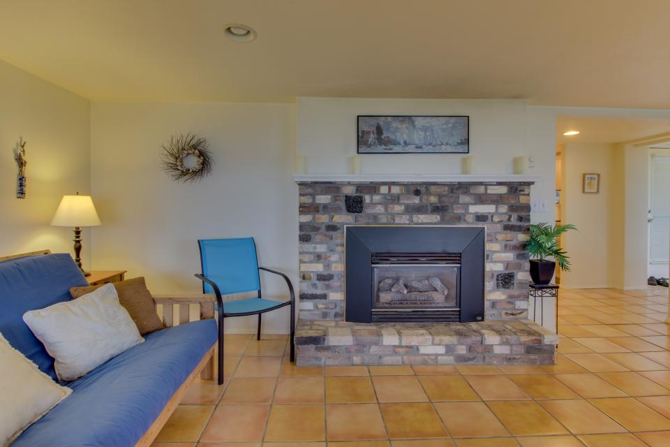 Hale Kaalawai Unit B - Oceanside - Take a Virtual Tour
