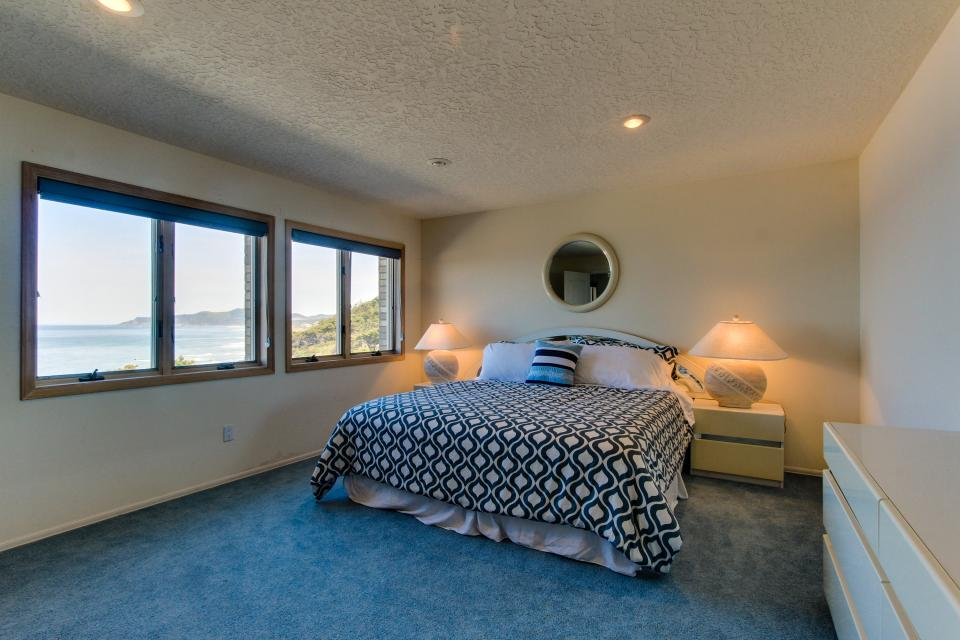 Newport Oceanfront Estate - Newport Vacation Rental - Photo 25