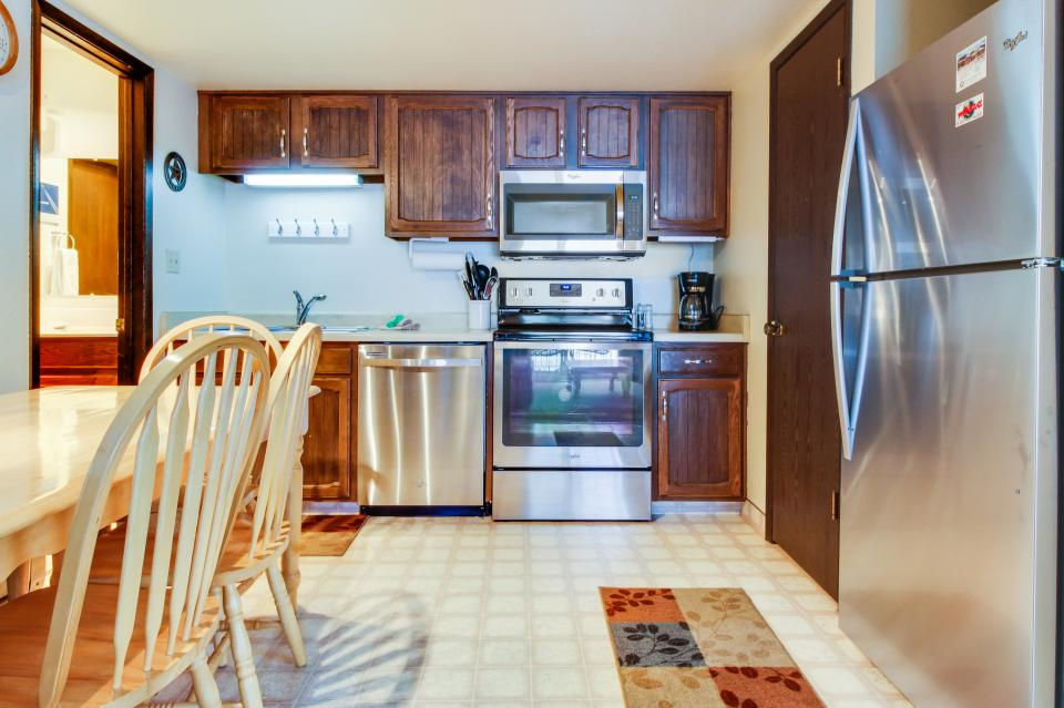 Red Pine Canyons View Condo - Park City Vacation Rental - Photo 7