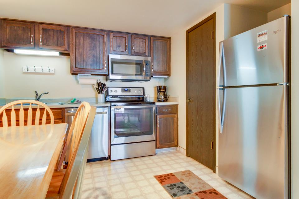 Red Pine Canyons View Condo - Park City Vacation Rental - Photo 9