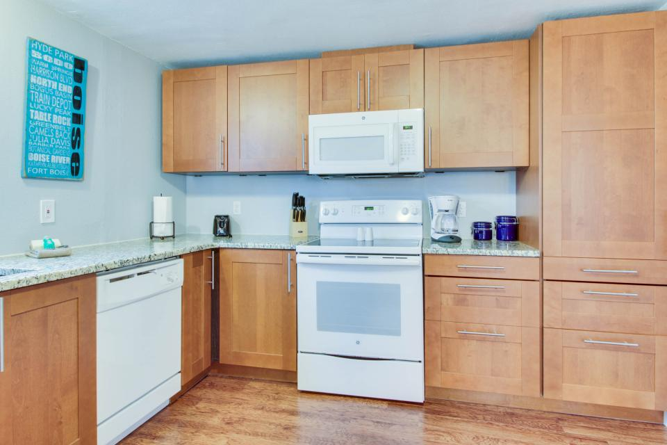 Gem by the Depot - Boise Vacation Rental - Photo 9