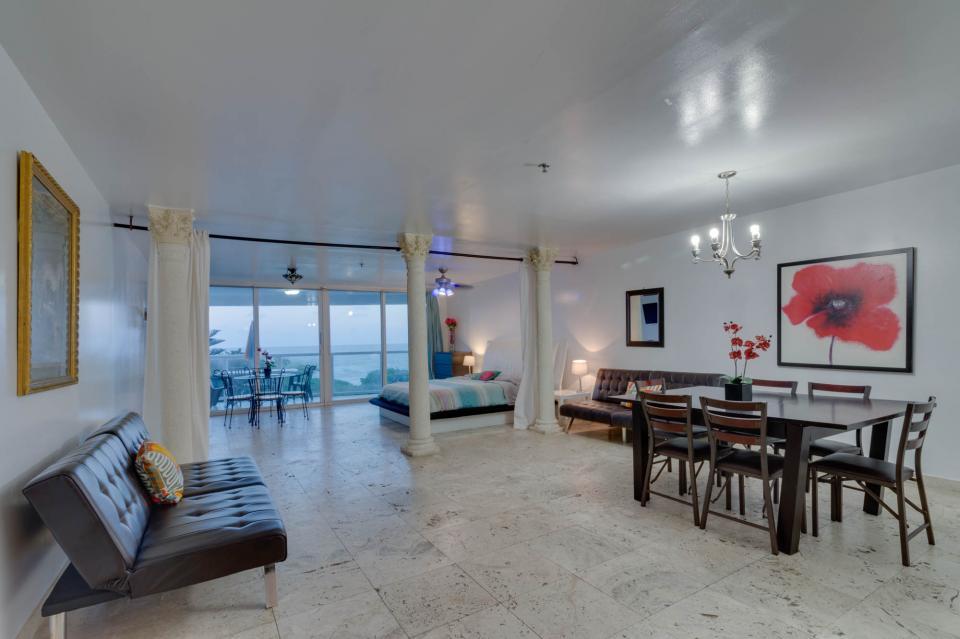 Castle Beach: Pavillon 7 Condo - Miami Beach Vacation Rental - Photo 7