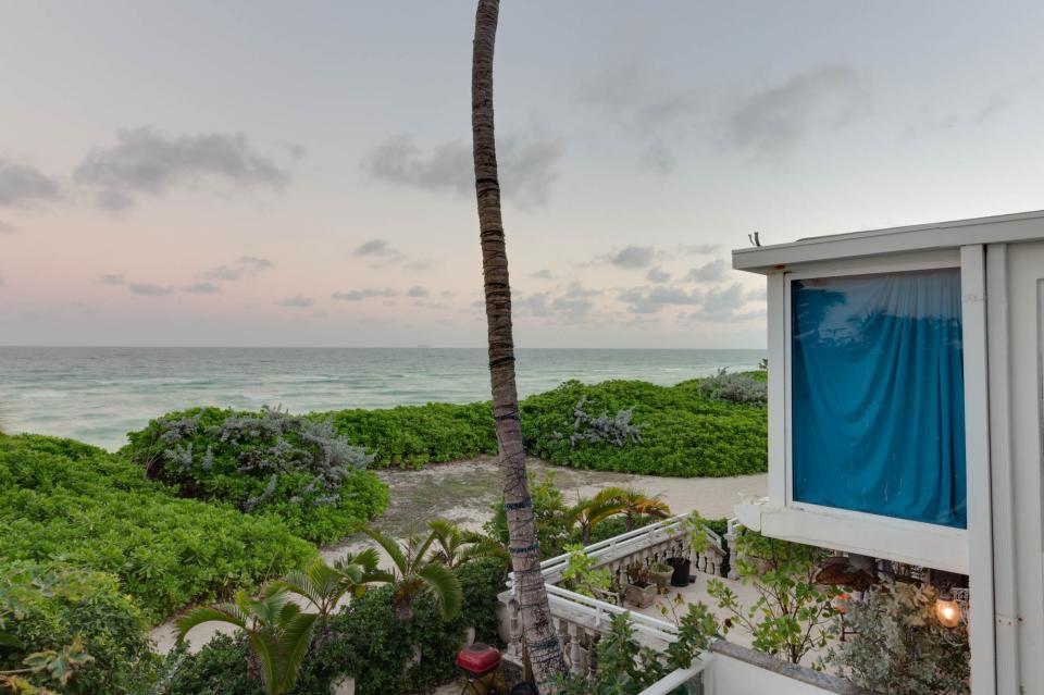 Castle Beach: Pavillon 7 Condo - Miami Beach - Take a Virtual Tour