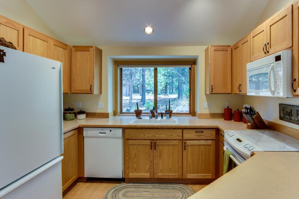 15 Lassen Lane - Sunriver Vacation Rental - Photo 11