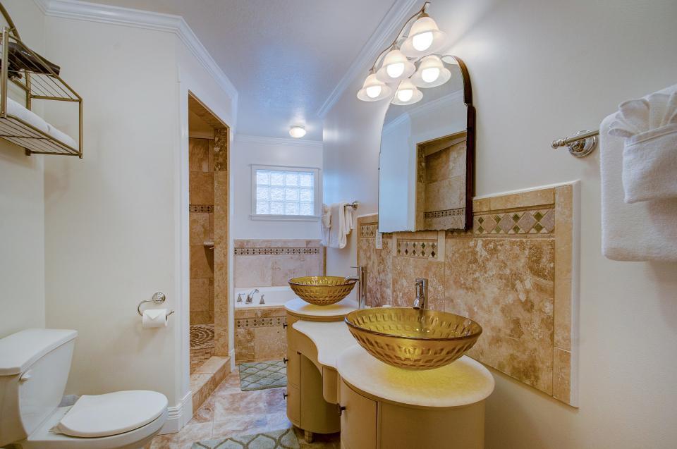 Tangren House - Moab Vacation Rental - Photo 34
