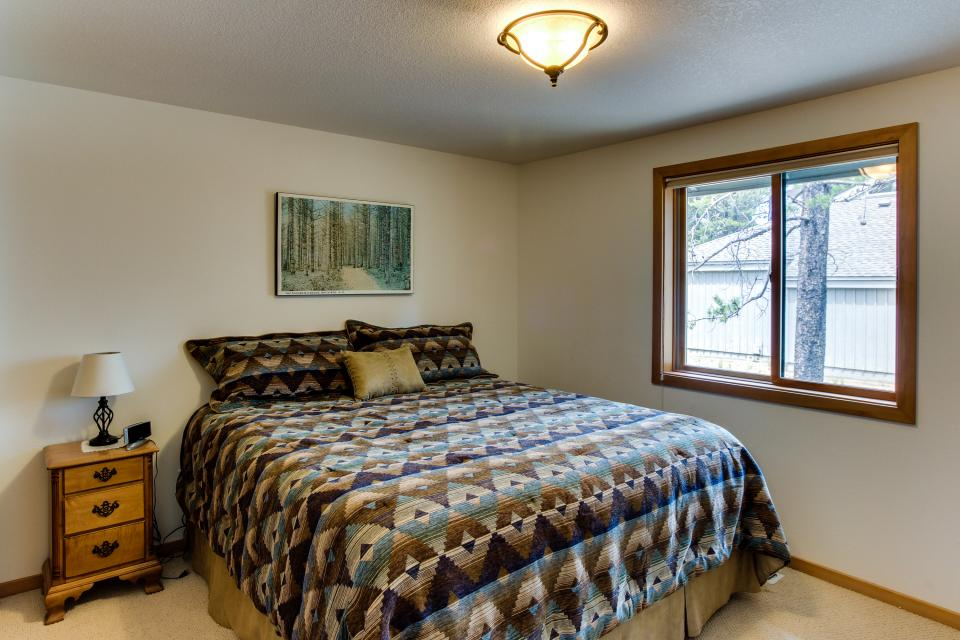 15 Lassen Lane - Sunriver Vacation Rental - Photo 14