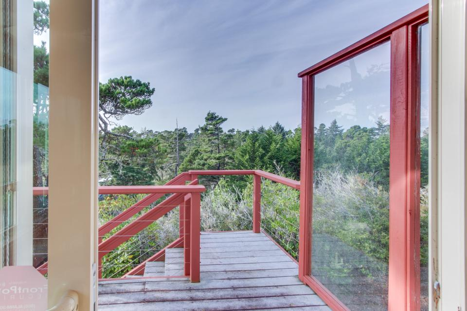 Towering Views - Florence Vacation Rental - Photo 12