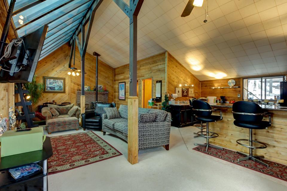 The Viewtiful Brian Head Cabin - Brian Head Vacation Rental - Photo 3