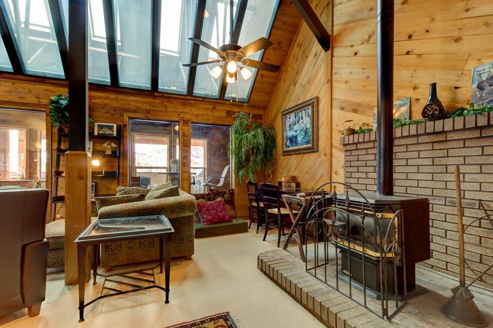 The Viewtiful Brian Head Cabin - Brian Head Vacation Rental - Photo 6