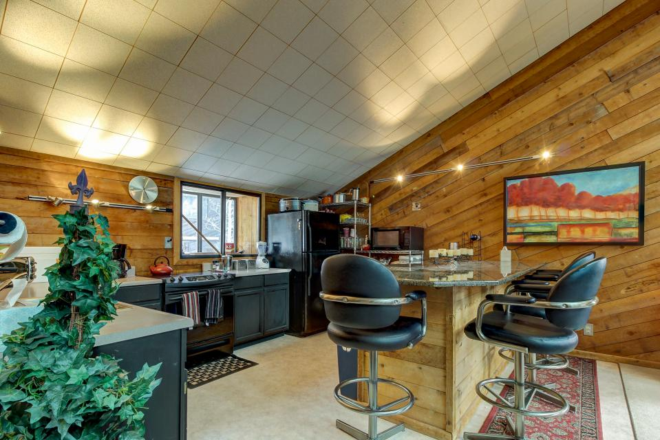 The Viewtiful Brian Head Cabin - Brian Head Vacation Rental - Photo 10