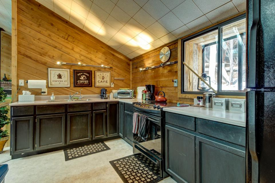 The Viewtiful Brian Head Cabin - Brian Head Vacation Rental - Photo 11
