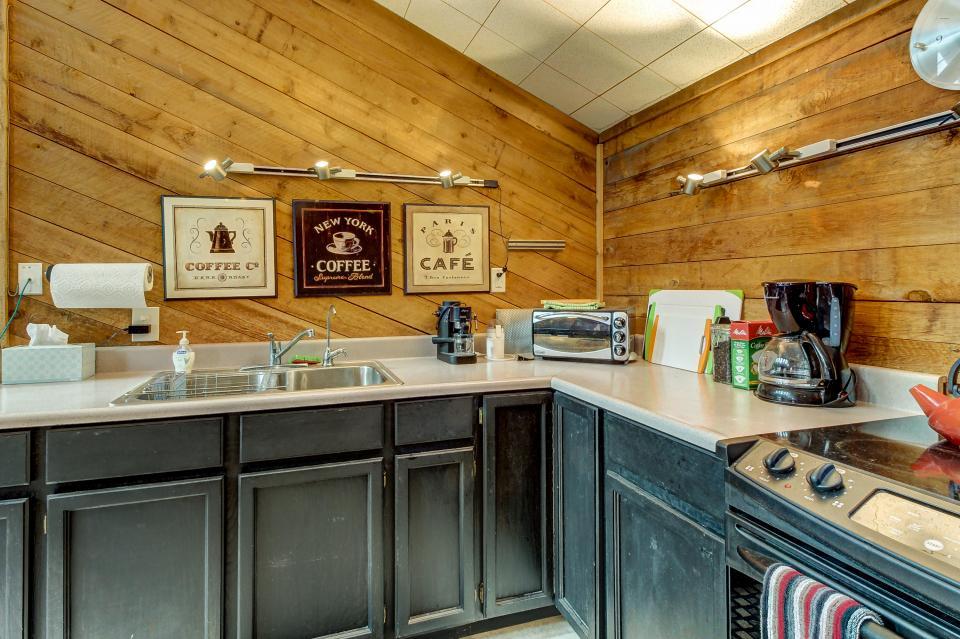 The Viewtiful Brian Head Cabin - Brian Head Vacation Rental - Photo 13
