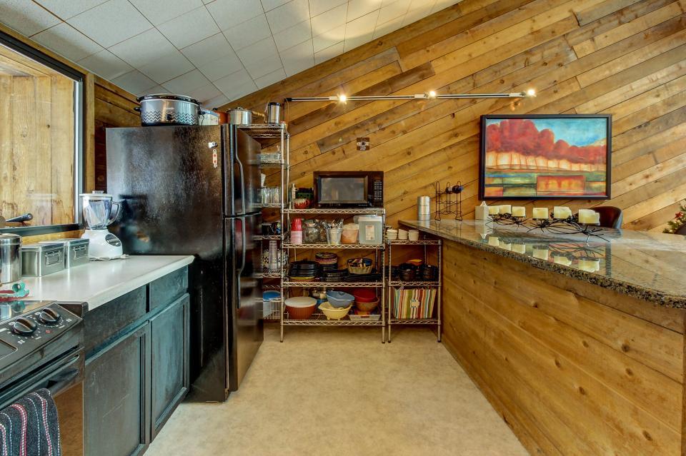 The Viewtiful Brian Head Cabin - Brian Head Vacation Rental - Photo 12