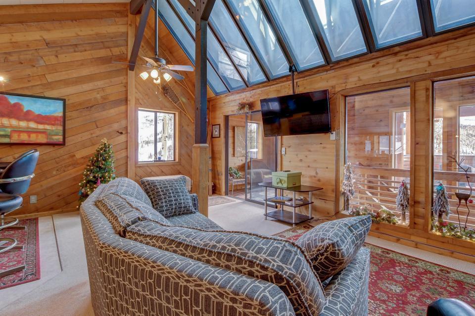 The Viewtiful Brian Head Cabin - Brian Head Vacation Rental - Photo 8