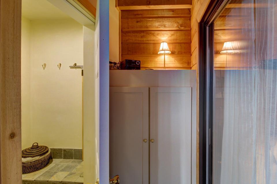 The Viewtiful Brian Head Cabin - Brian Head Vacation Rental - Photo 38