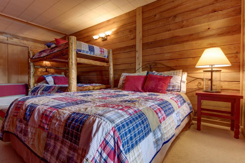 The Viewtiful Brian Head Cabin - Brian Head Vacation Rental - Photo 30