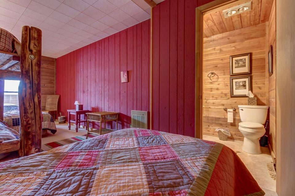 The Viewtiful Brian Head Cabin - Brian Head Vacation Rental - Photo 32