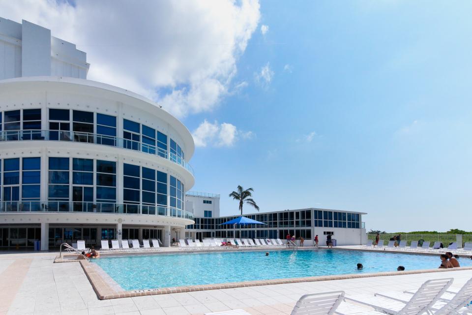 Castle Beach: Pavillon 1 Condo - Miami Beach Vacation Rental - Photo 16