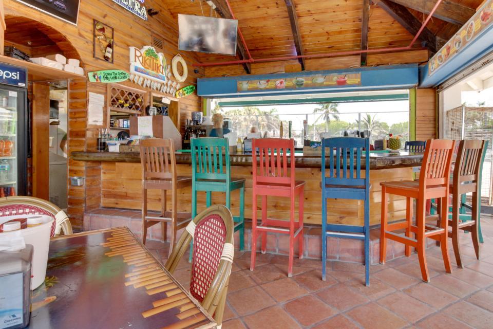 Castle Beach: Pavillon 1 Condo - Miami Beach Vacation Rental - Photo 28