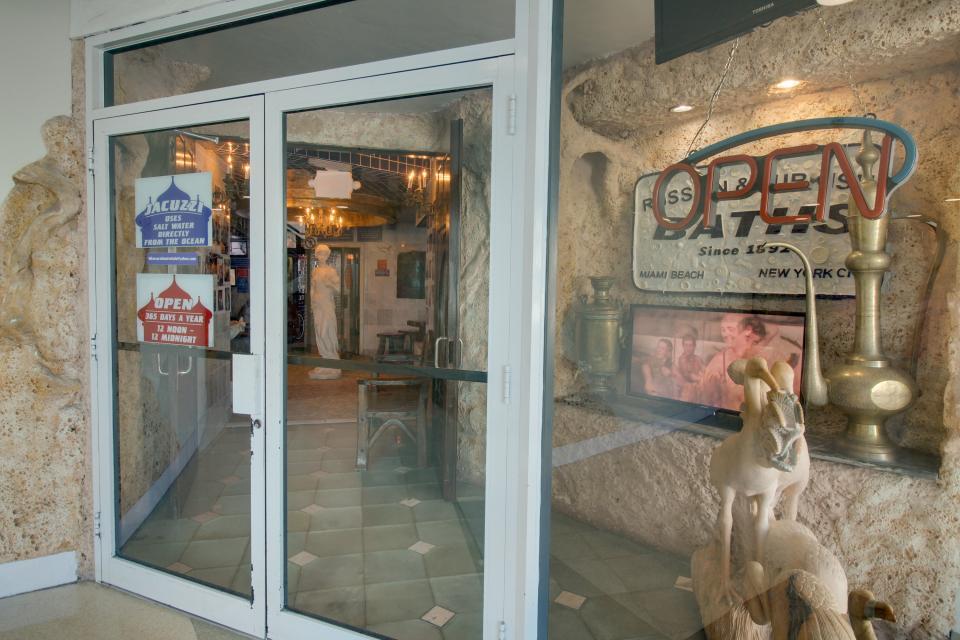 Castle Beach: Pavillon 1 Condo - Miami Beach Vacation Rental - Photo 24