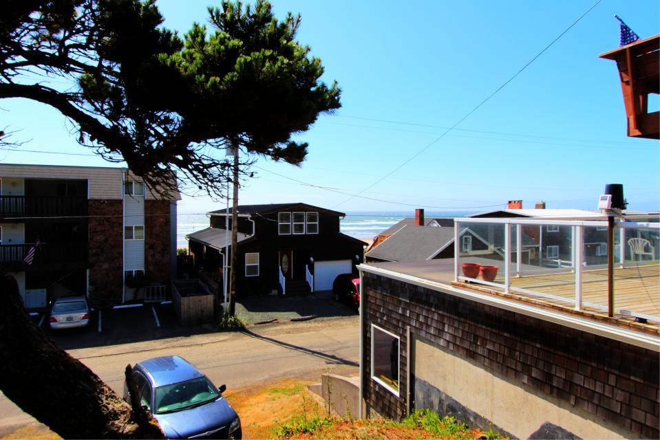 Auntie's House - Rockaway Beach Vacation Rental - Photo 11