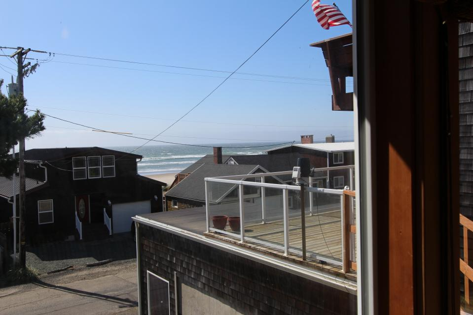 Auntie's House - Rockaway Beach Vacation Rental - Photo 3