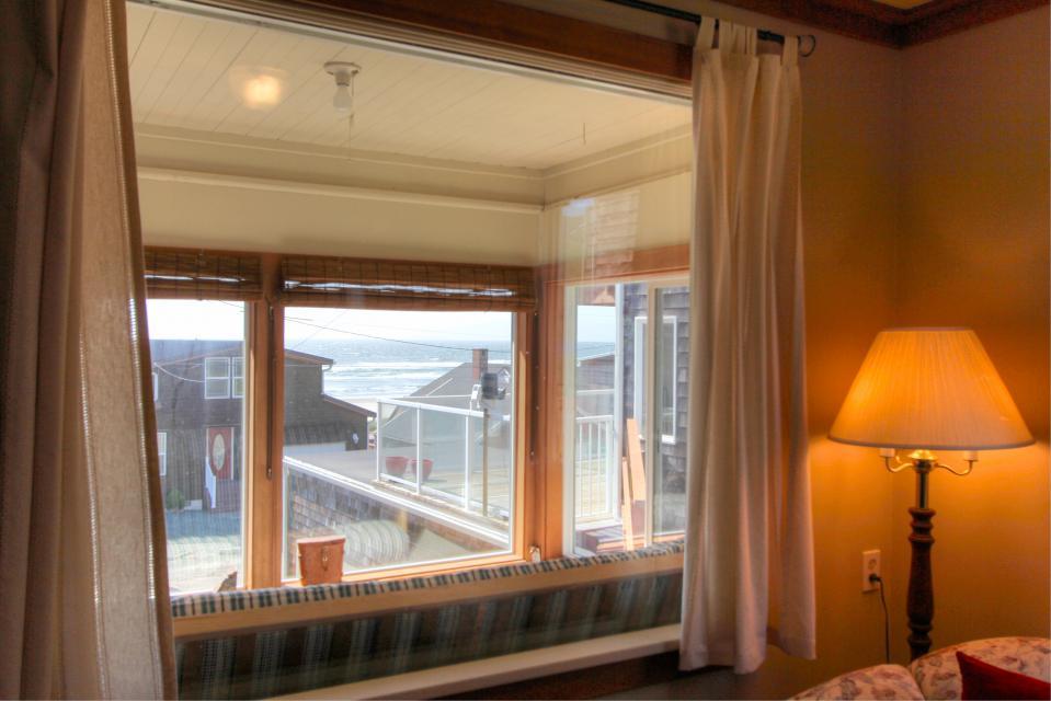 Auntie's House - Rockaway Beach Vacation Rental - Photo 28