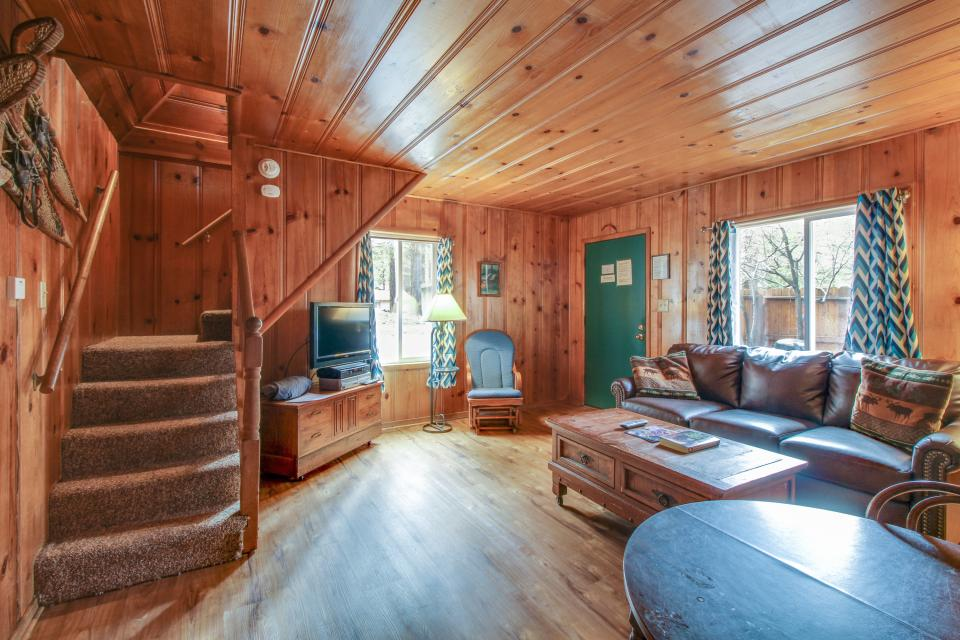 Spruce Grove Snowshoe Cabin - South Lake Tahoe Vacation Rental - Photo 13