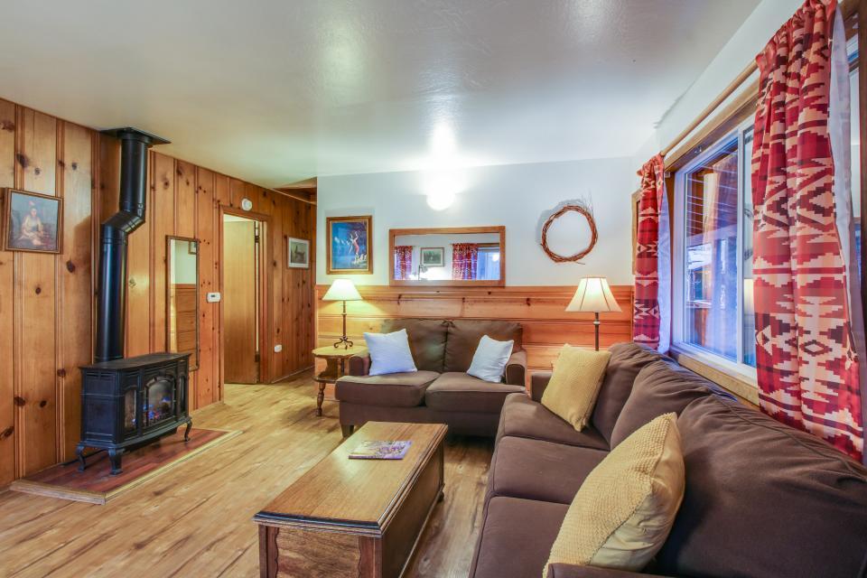 Spruce Grove Washoe Cabin - South Lake Tahoe Vacation Rental - Photo 2