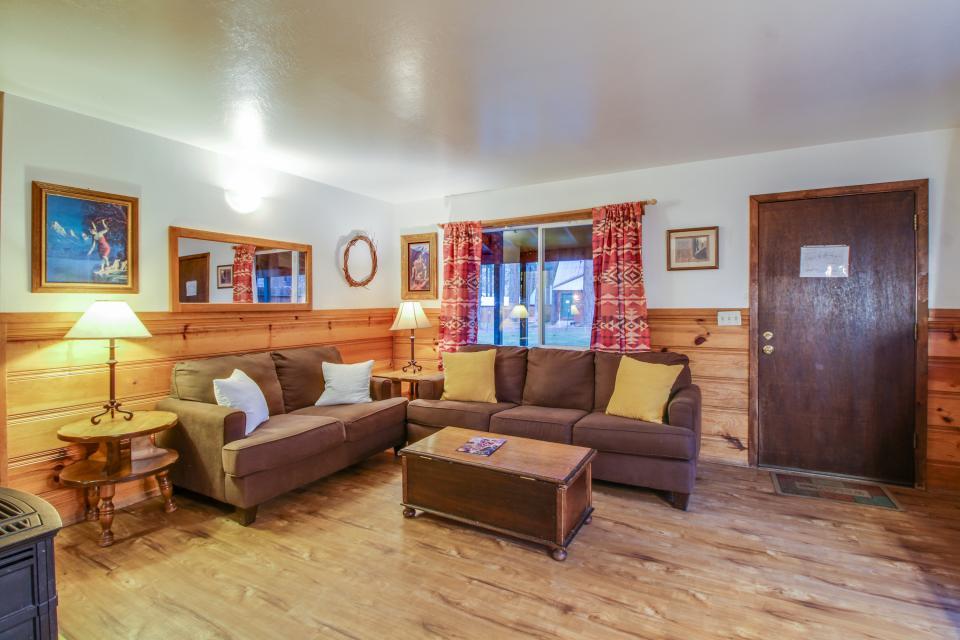 Spruce Grove Washoe Cabin - South Lake Tahoe Vacation Rental - Photo 5