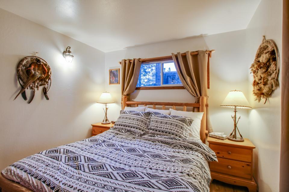 Spruce Grove Washoe Cabin - South Lake Tahoe Vacation Rental - Photo 16