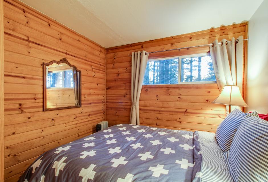 Spruce Grove Washoe Cabin - South Lake Tahoe Vacation Rental - Photo 20