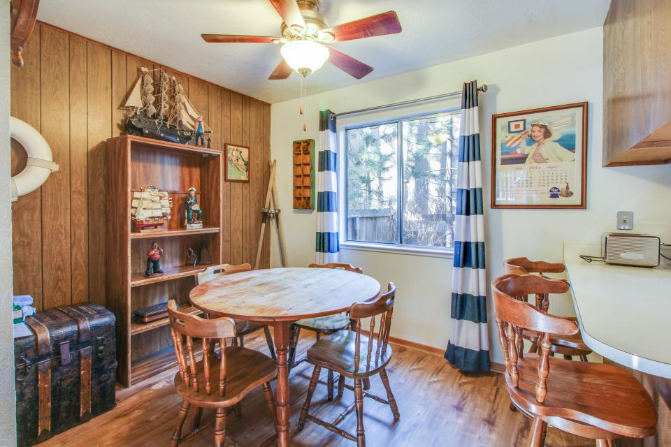 Spruce Grove Steamer Tahoe Cabin Condo - South Lake Tahoe Vacation Rental - Photo 10