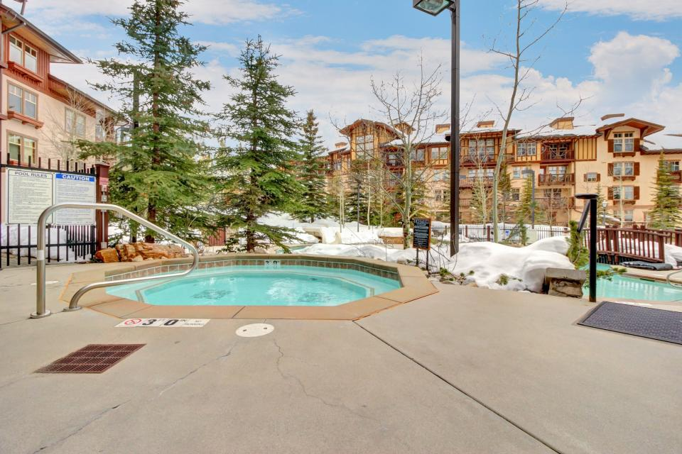 Eagle Springs West 102: Song Sparrow Suite - Solitude Vacation Rental - Photo 27