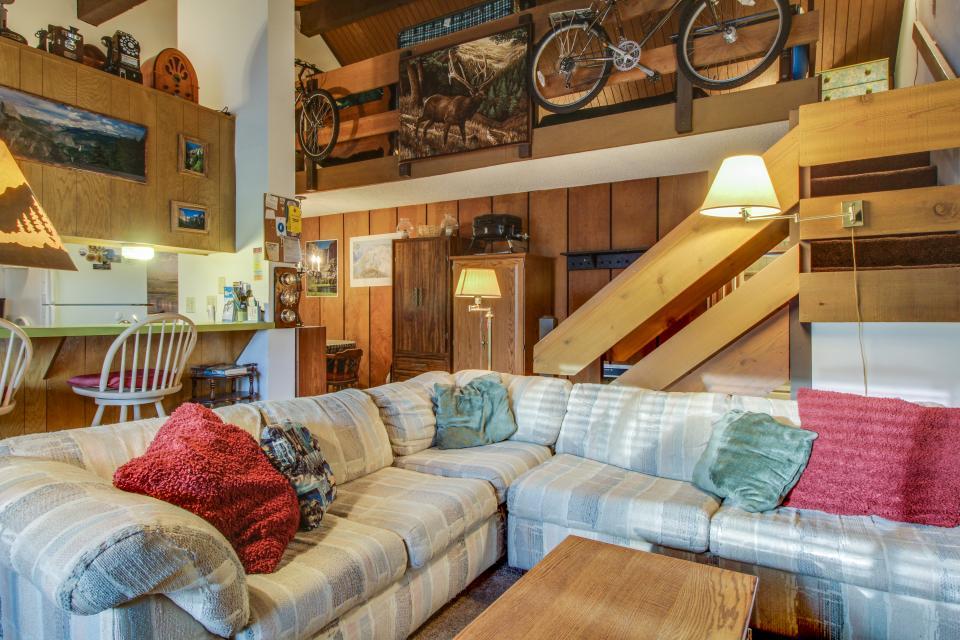 Sierra Manor Escape - Mammoth Lakes Vacation Rental - Photo 3