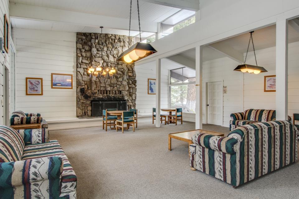 Sierra Manor Escape - Mammoth Lakes Vacation Rental - Photo 21
