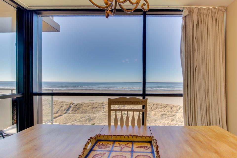 Sand & Sea: Gull's View (502) - Seaside - Take a Virtual Tour