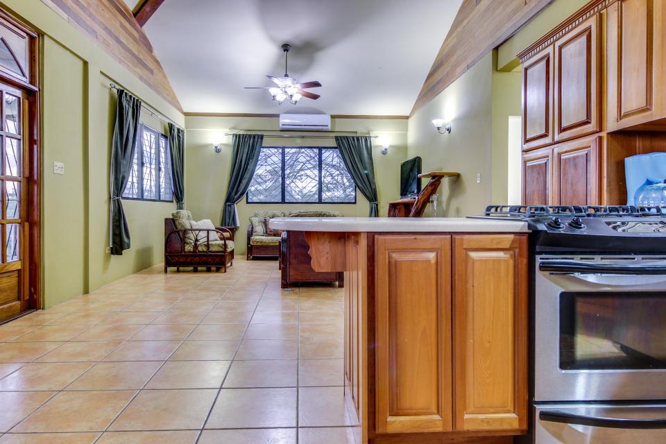 Suite @ Villa Maya - San Ignacio Vacation Rental - Photo 12