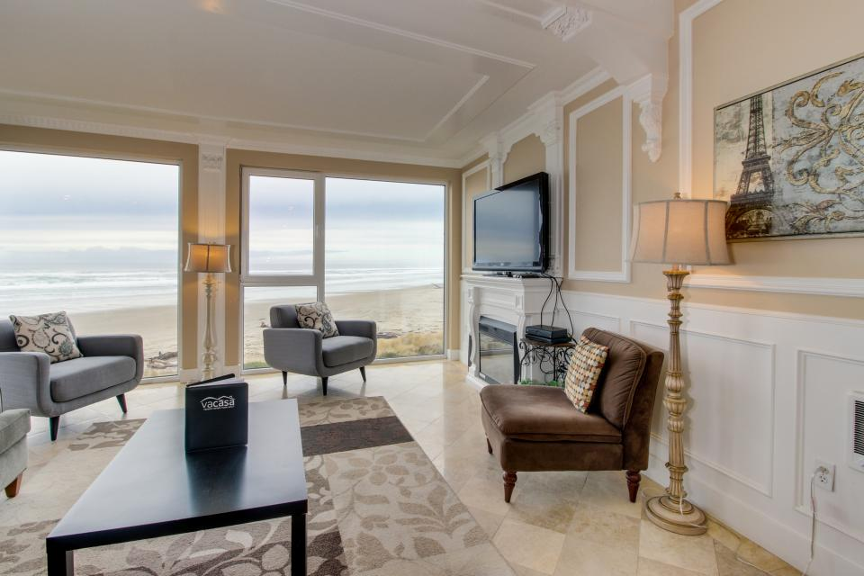 The Modern Oceanfront View Condo #203 - Rockaway Beach Vacation Rental - Photo 8