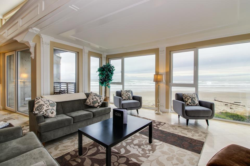 The Modern Oceanfront View Condo #203 - Rockaway Beach Vacation Rental - Photo 3